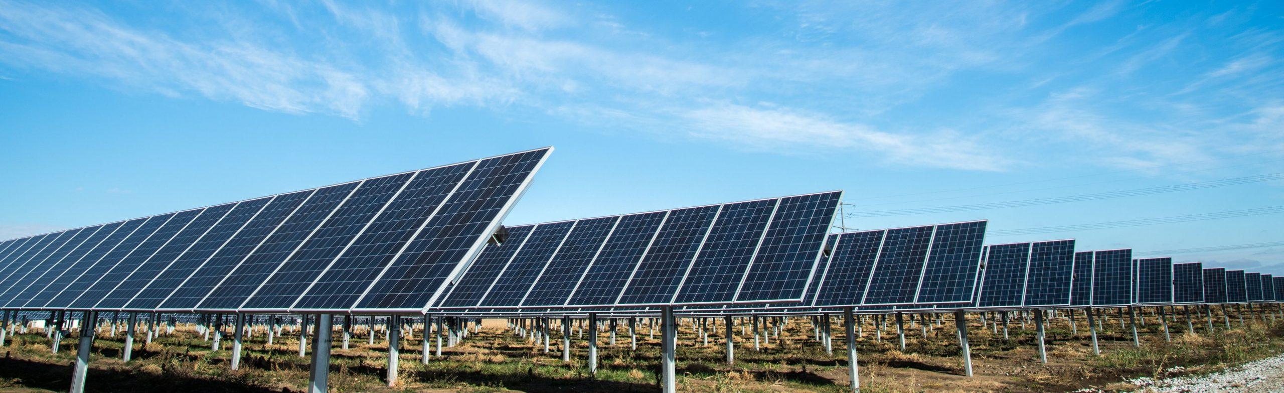 AleaSoft - Paneles solares energias renovables