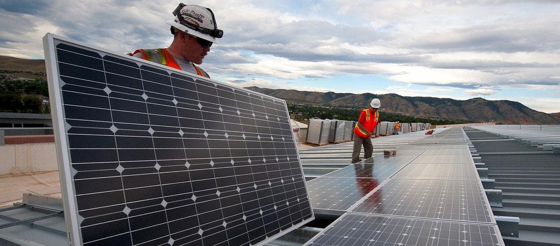 AleaSoft - instalación de paneles solares