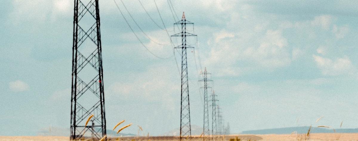 AleaSoft - Power lines