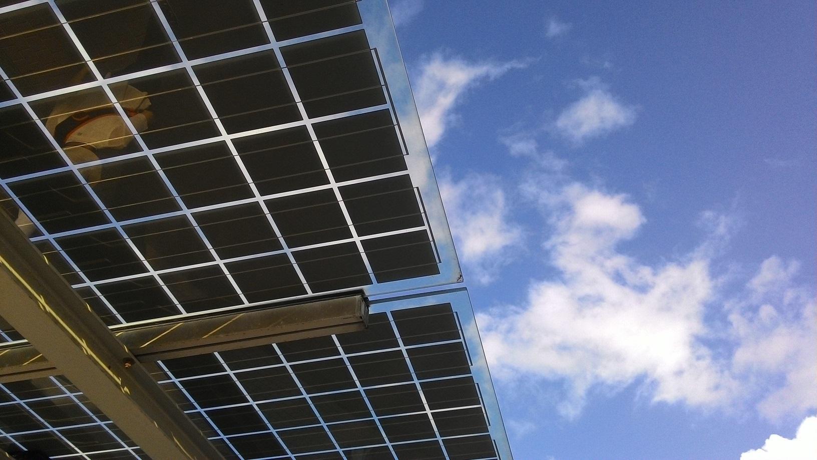 AleaSoft - Paneles solares