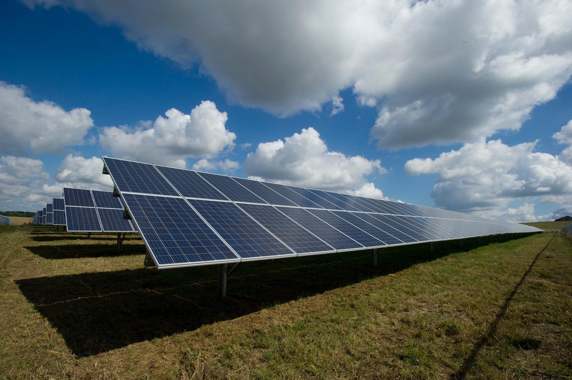AleaSoft - Solar Panels